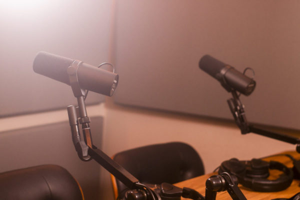 Studio B Mic Close Up | NYC Podcasting : Rent a podcast studio in NYC