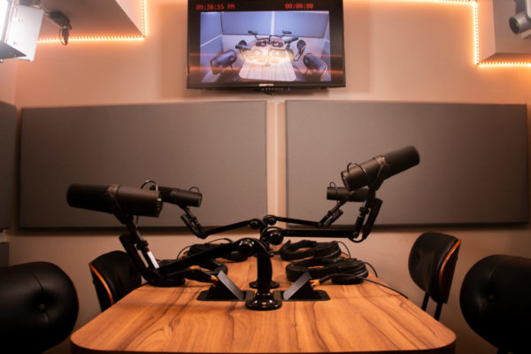NYC Podcasting- Rent a podcast studio in NYC